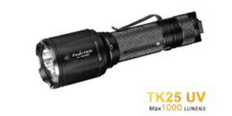 Fenix TK25 Weiß- und UV-Licht